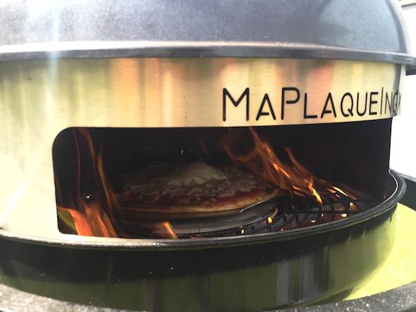 comment transformer son barbecue en four pizza. Black Bedroom Furniture Sets. Home Design Ideas