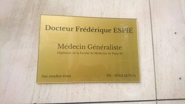 Plaque professionnelle pour médecin - Monsieur Gravure